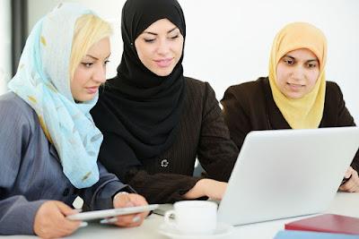 Wanita Ingin Bekerja Diluar Rumah? Ini Syaratnya Menurut Islam