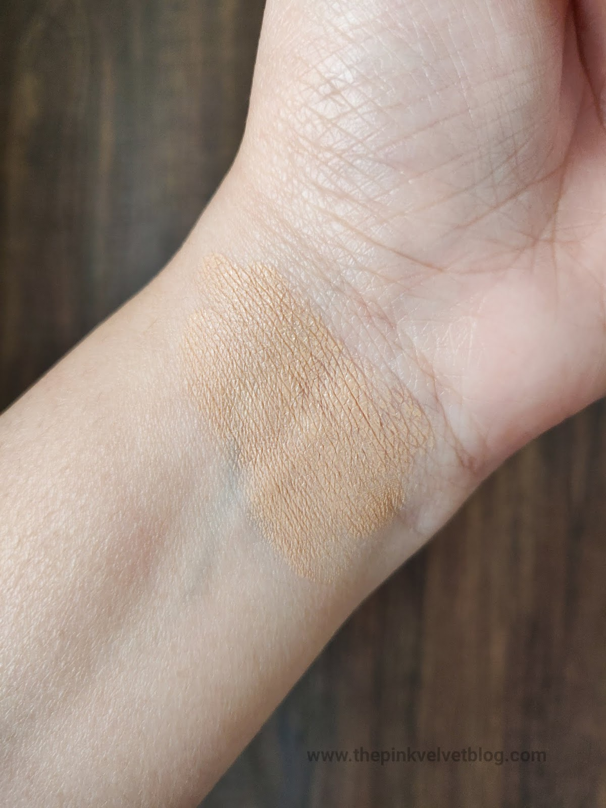 FACES Ultime Pro Second Skin Foundation - Review and Swatches | 01 Ivory