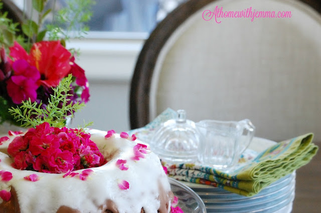 Decorating-cake-flowers-roses-holidays-recipes-guest post