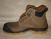 supliyer sepatu safety surabaya, gresik, lamongan, jual sepatu safety malang, sidoarjo, mojokerto, pabrik sepatu safety jakarta, kalimantan palangkaraya, makasar, balikpapan.
