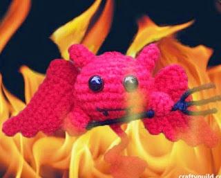 http://craftyguild.com/2014/10/crochet-cute-devil-amigurumi.html