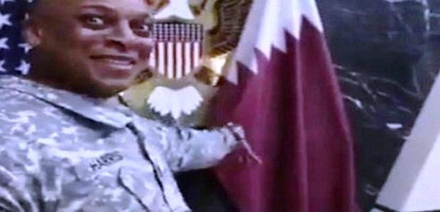 شاهد فيديو جنديين امريكيين يسخران من قطر وعلمها فى الدوحة