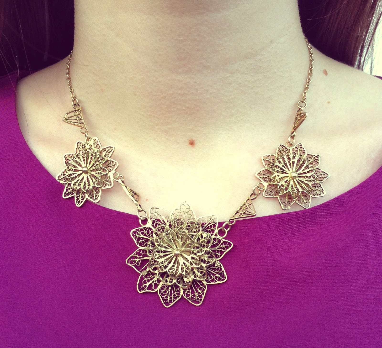 Vintage Gold Necklace - Electric Sunrise Blog