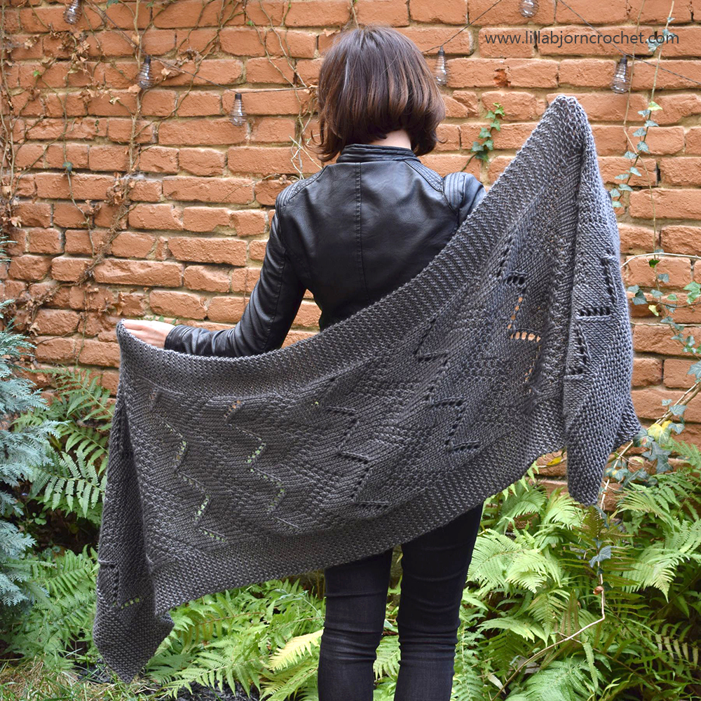 Bakasana Scarf_FREE knitting pattern_www.lillabjorncrochet.com
