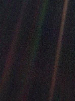 foto do pálido ponto azul