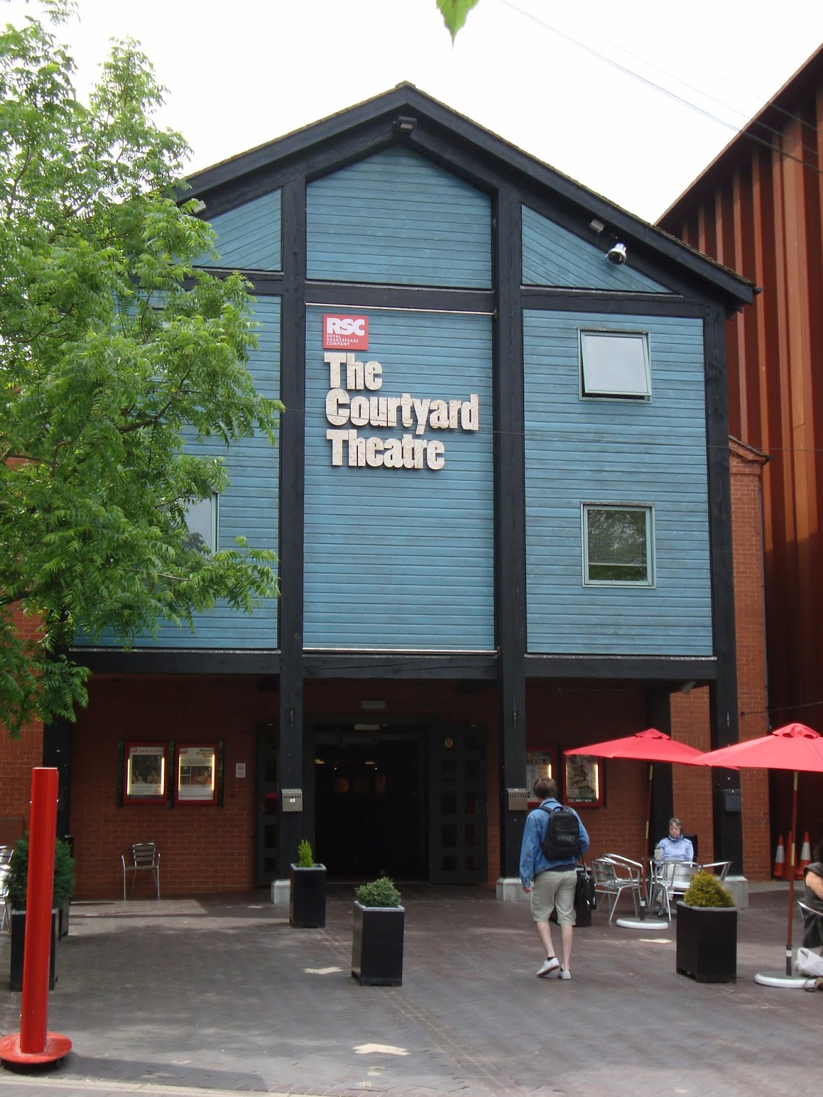 the courtyard theatre in stratford
