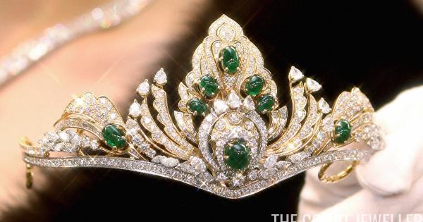 The Daily Diadem: The Mitsukoshi Emerald and Diamond Tiara ...
