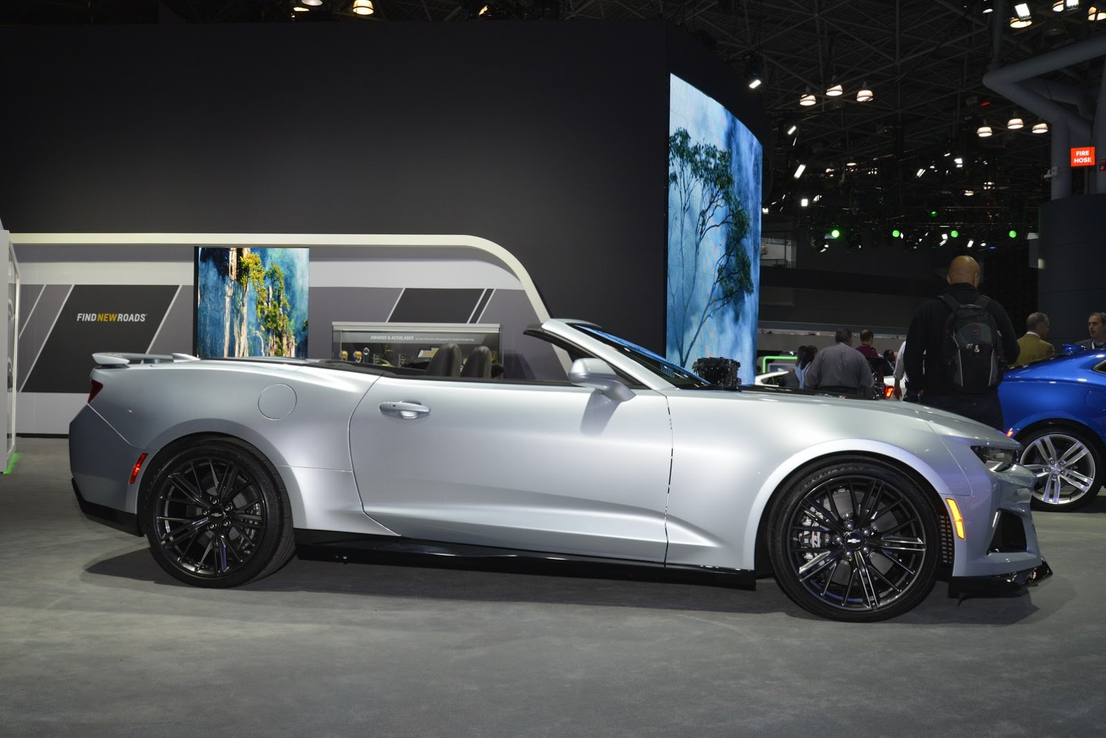 2017 chevrolet camaro zl1 convertible has enough horses to blow your hair away carscoops. Black Bedroom Furniture Sets. Home Design Ideas
