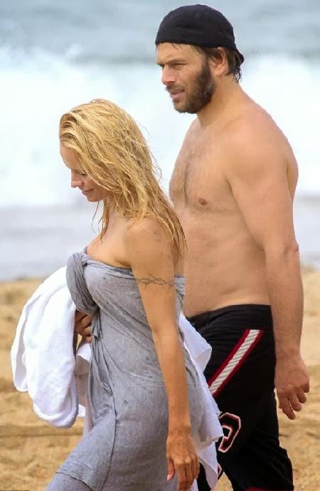 pics of pamela Bikini