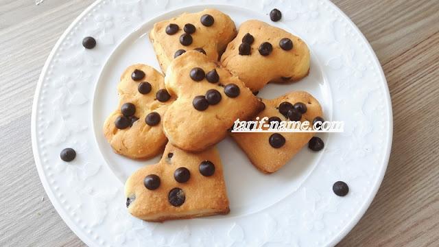 damla çikolatali kalp  kurabiye