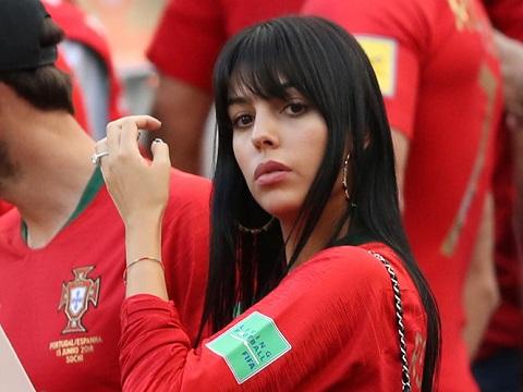 Bạn gái của Ronaldo có mặt tại trận đấu cổ vũ cho người yêu