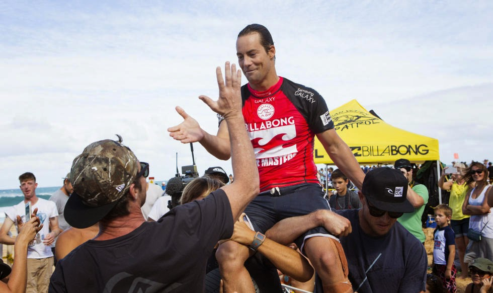 28 Billabong Pipe Masters Travis Logie Foto ASP