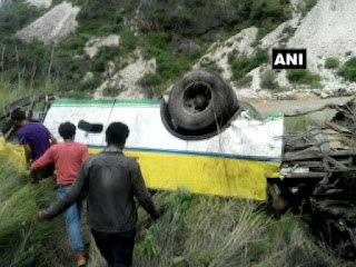 bus-slide-in-himachal-5-dead