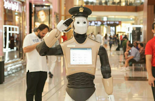 Robocop In A Dubai Mall Salutes Customers