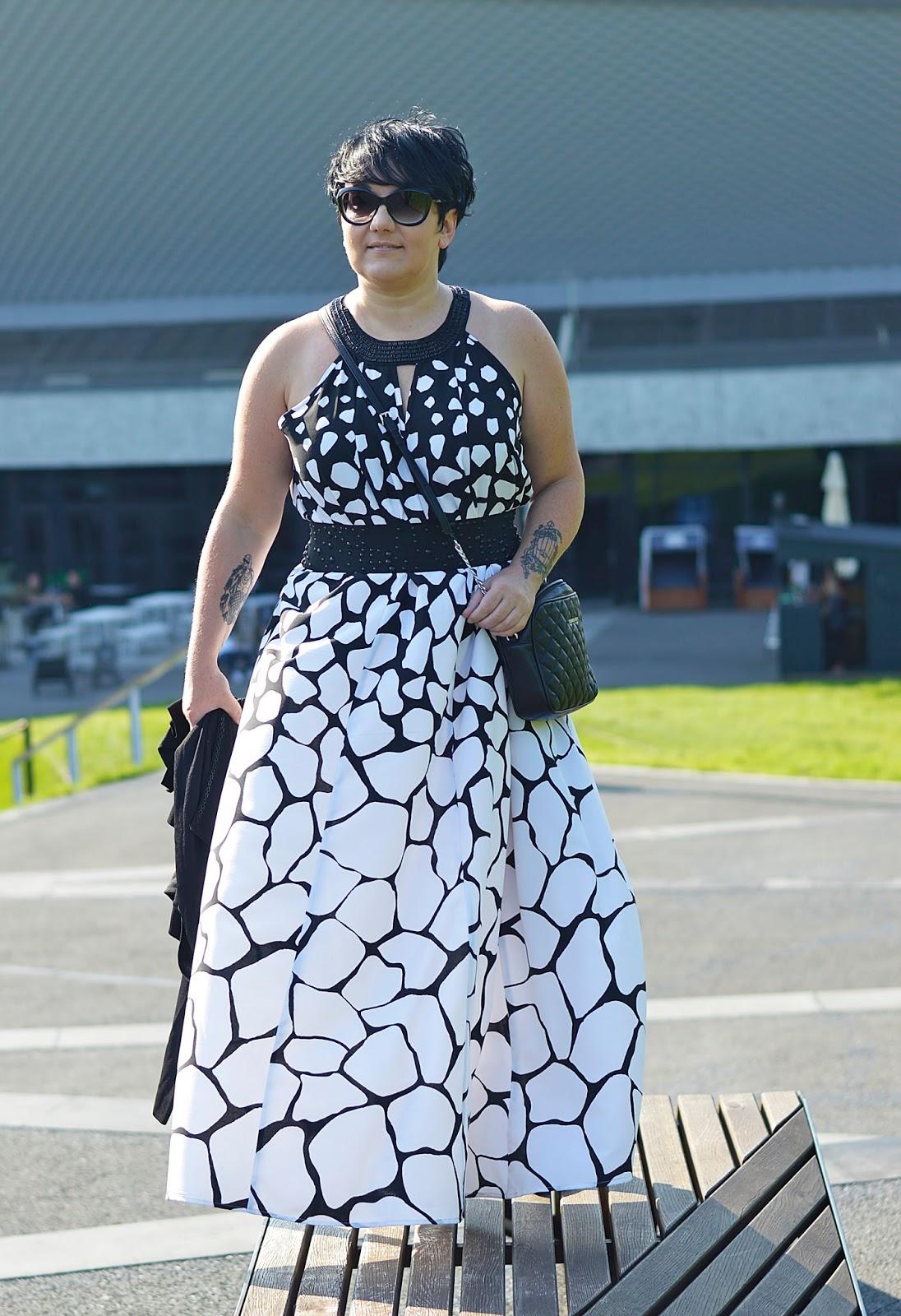 d38b210709 Maxi dress   Prezent od Oli - BlackAndWhiteFashion