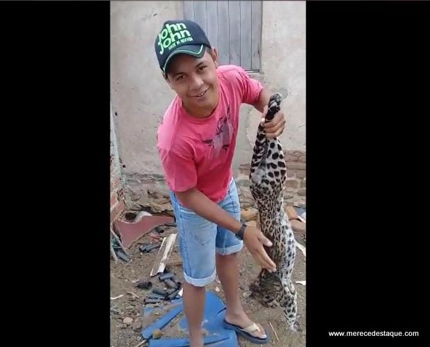 Crime ambiental: Caçador exibe gato do mato que matou como se fosse um troféu