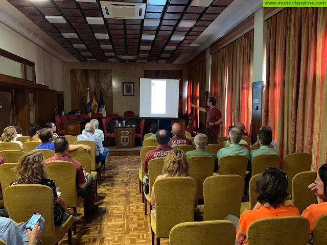 El Cabildo acogió una charla para mejorar la capacidad del personal de Medio Ambiente en la detección y gestión de especies exóticas invasoras