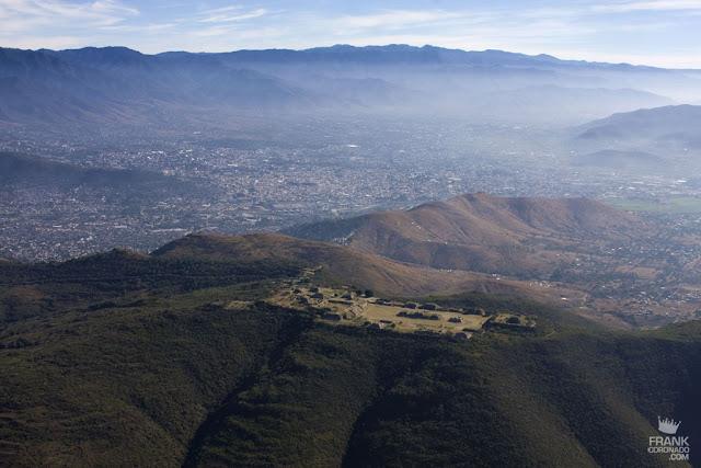 vista aerea de monte alban y Oaxaca