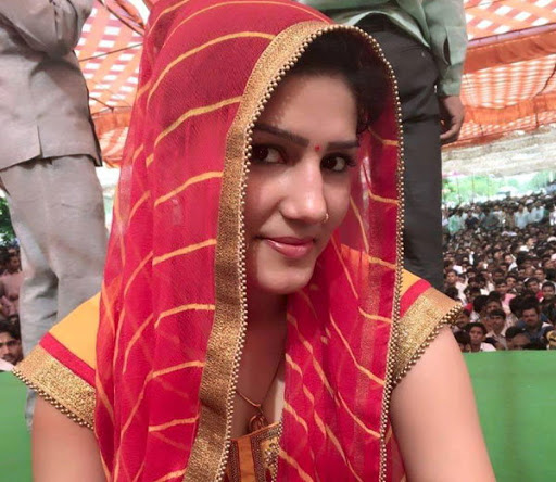 Haryanvi Singer-Dancer Sapna Chaudhary Pictures