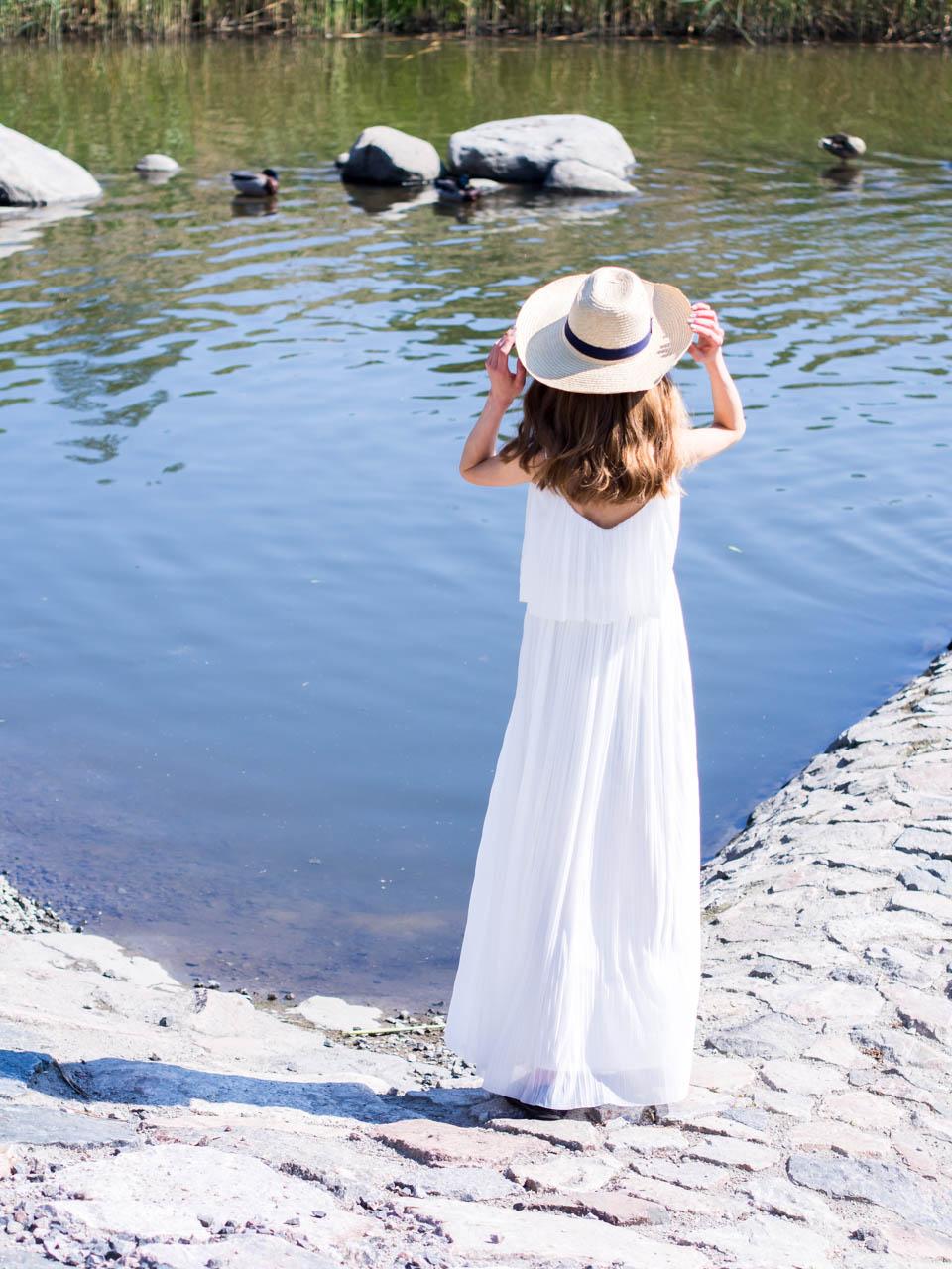 juhannus-midsummer-2019-best-white-summer-maxi-dresses