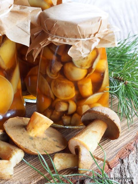 grzybki marynowane, bagniaki, hubanki, siniaki, jakubki, sloiki, przetwory, grzyby, zakaski, marynata, ocet jablkowy