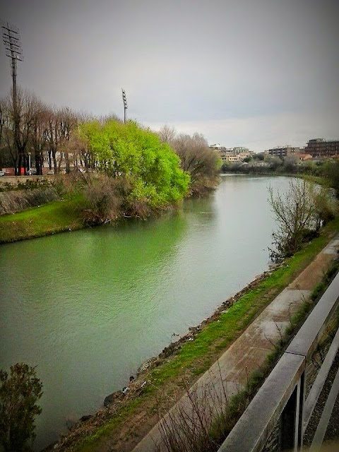 ciclabile lungo il fiume