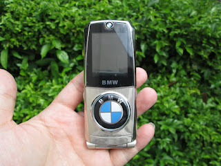 spesifikasi handphone antik BMW 760
