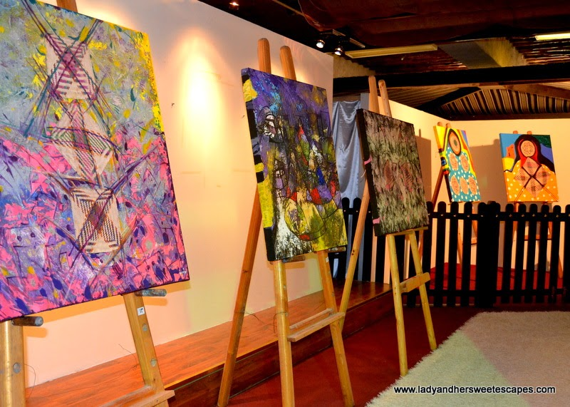 Dubai Cultural Tour: Art Exhibit by Emirates Fine Arts Society