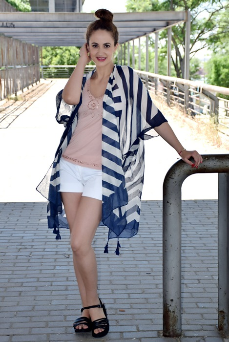 outfit-poncho-rayas-7