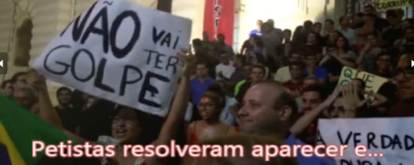 jovem integrante do MBL fala em protesto contra mentira do PT em Goiânia