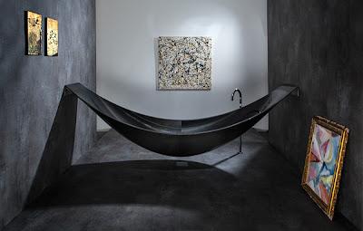 bañera y hamaca.