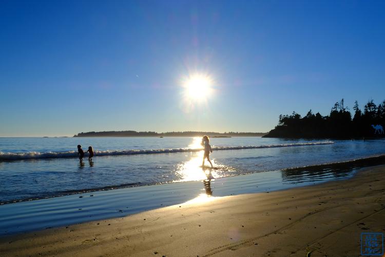 Le Chameau Bleu - Blog Voyage Tofino Canada - Couché de Soleil sur une plage de Tofino Canada