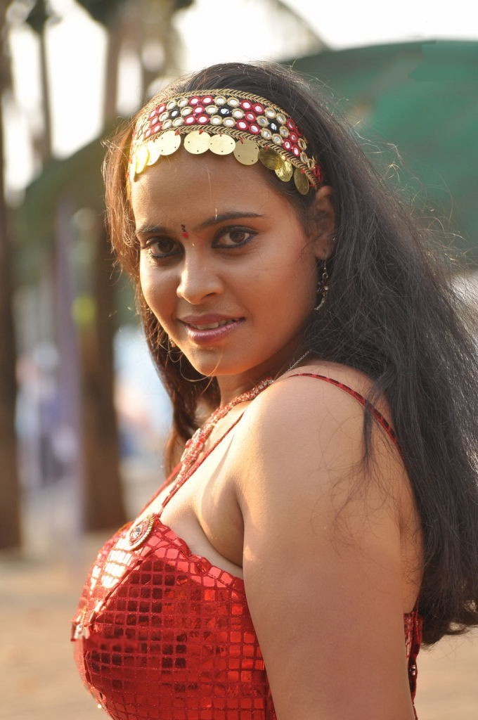Gsv Pics - Photos With Poetry Indian Bhabhi Hot Cleavage -2276