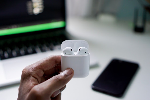 The man swallowed AirPod while sleeping. The handset was playing in his body and was still working when he got out.