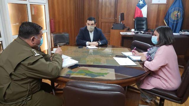 Coronel de Carabineros Gustavo Saavedra, Mario Bello y Vania Rojas