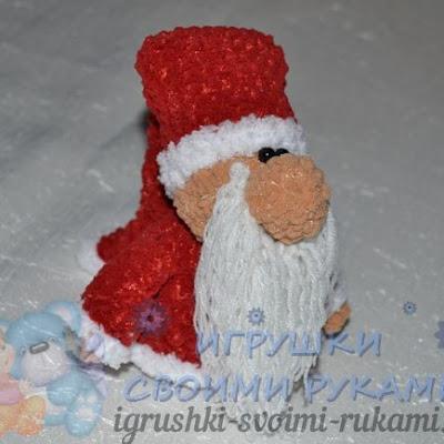 Дед Мороз амигуруми