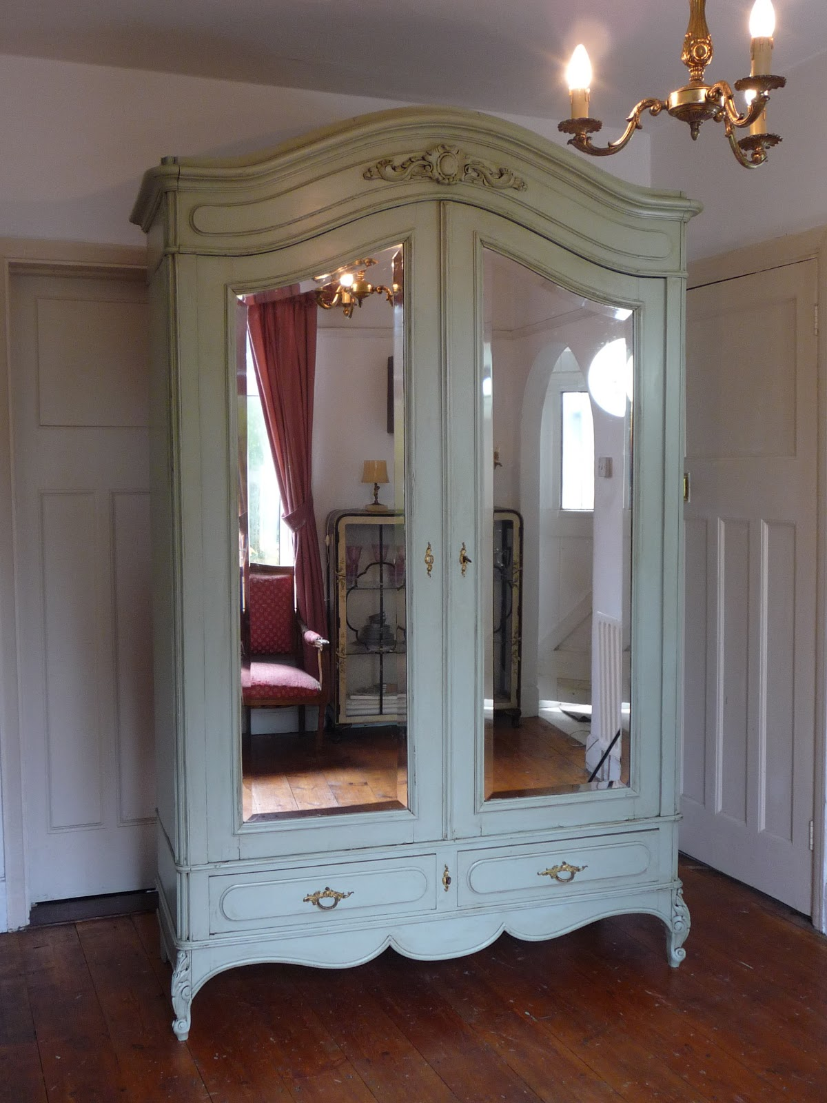 Dazzle Vintage Furniture: French Furniture - A Guide to ... on Furniture Style  id=80371