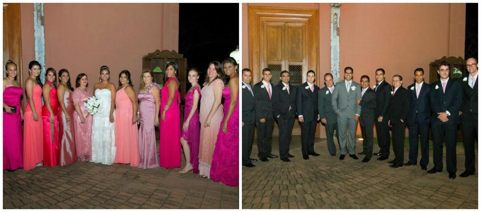 altar - foto com as madrinhas - fotos posadas - madrinhas - madrinhas cor de rosa - padrinhos - foto com os padrinhos