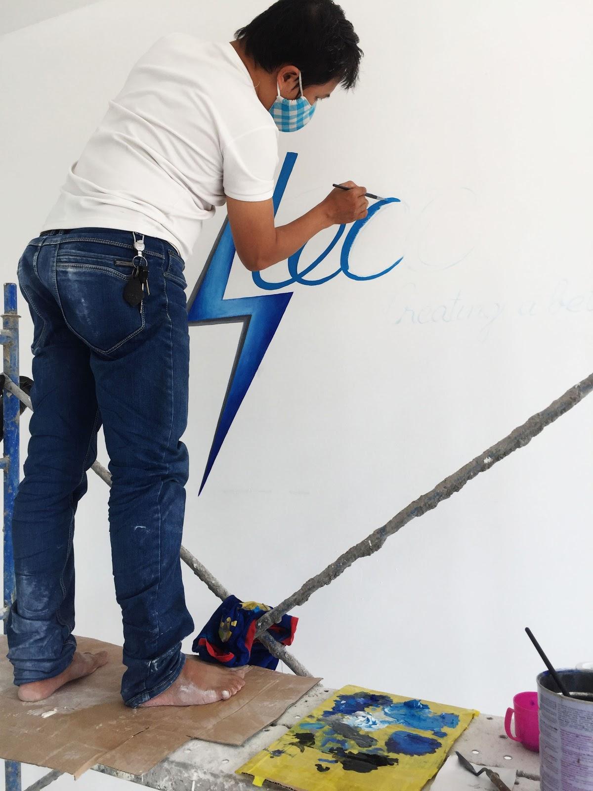 vẽ logo