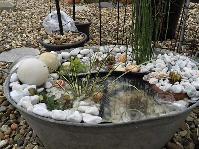 Mini pond for tinny yard decoration, courtyard decoration idea; yard design idea, front yard design idea, frontyard landscaping idea, backyard design idea, garden house design, home landscaping design