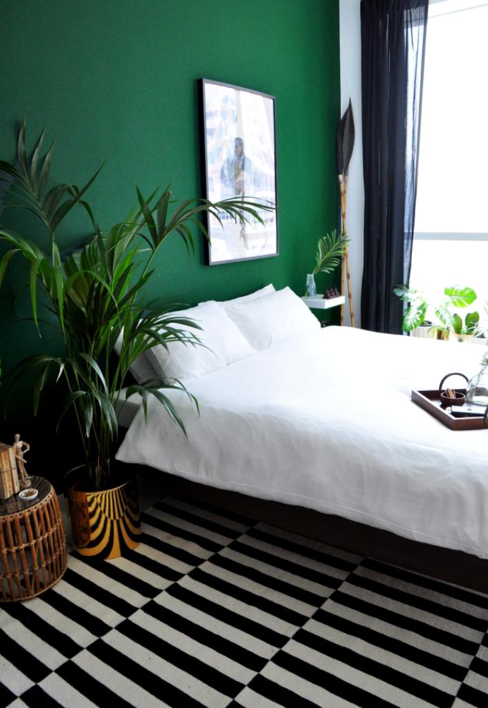 breathtaking green living room color   Trend Alert /// 10 Examples of Dark Green Walls   Design ...