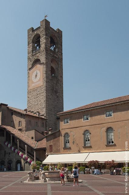 Campanone Bergamo Italia organizar viaje