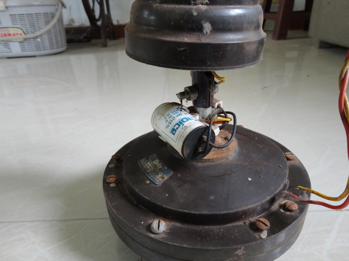 use of capacitor in ceiling fan