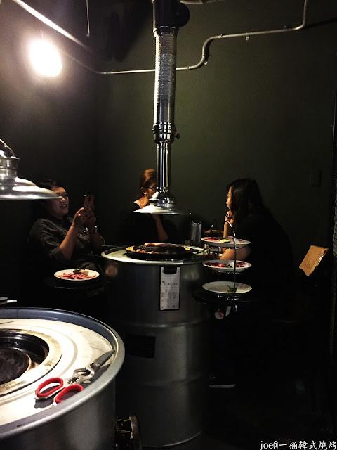 IMG 4224 - 【台中美食】好想念韓國的燒肉啊!!!『一桶韓式燒烤』讓你重溫韓國燒肉的舊夢阿!!!@一桶@韓式燒烤@油桶燒烤@烤蛋@起司@五花肉