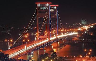 Jembatan Ampera dan Sungai Musi Palembang