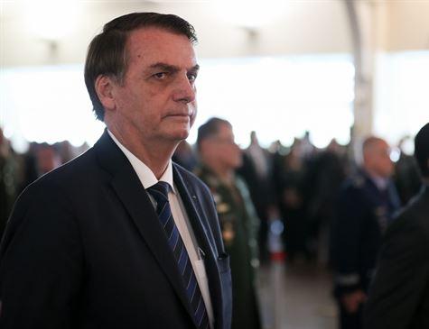 'Não vou perder tempo para comentar pesquisa', diz Bolsonaro