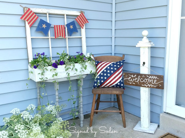 front porch stoop 4th of July decorations