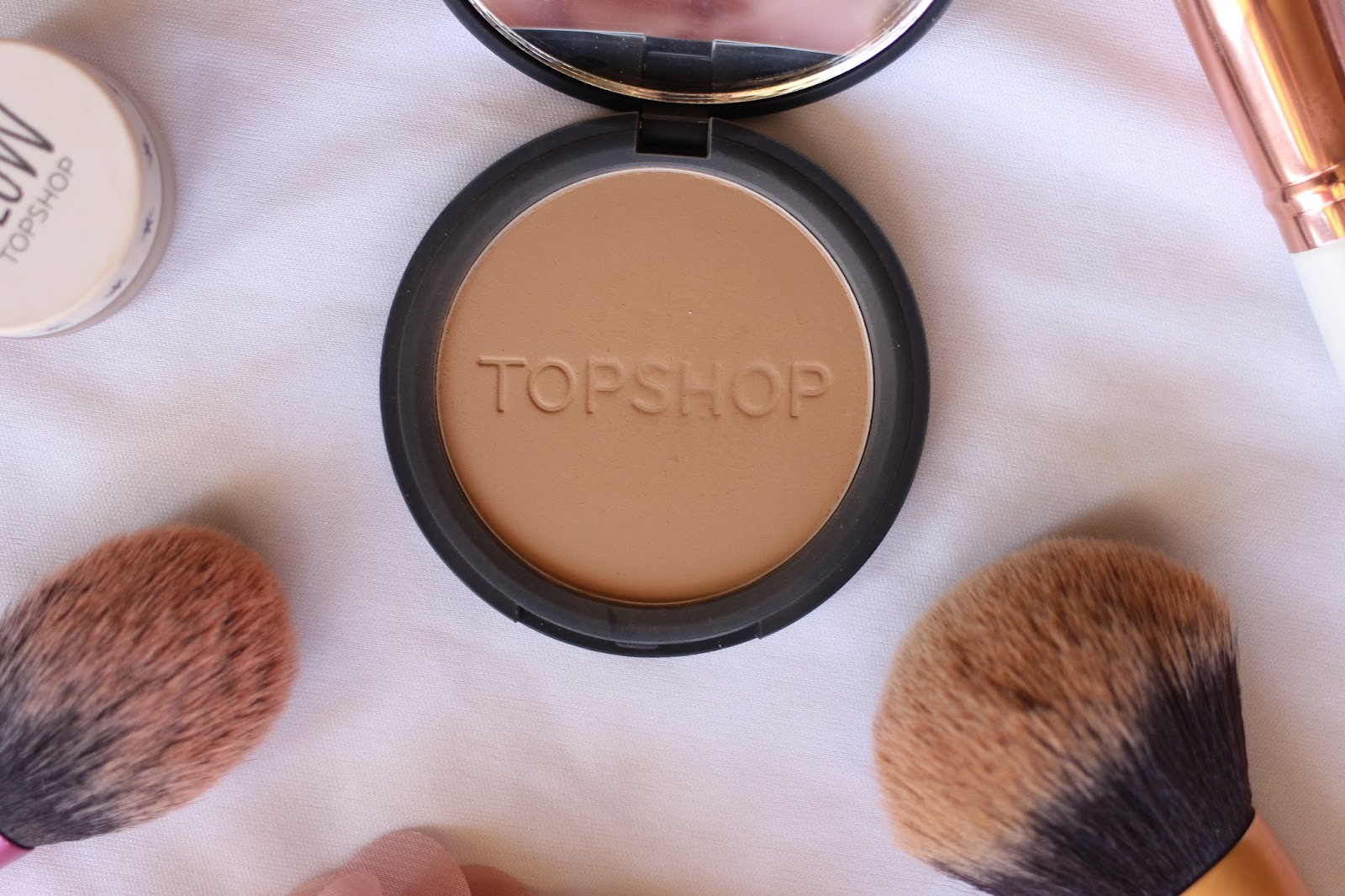 TOPSHOP BRONZER IN MOHAWKE