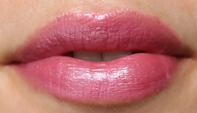 LOLA Intense Colour Lipstick in Strawberry Fields 007
