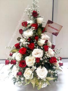toko-bunga-mojokerto-jual-buket-bunga-meja-hadiah-ulang-tahun